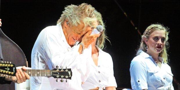 Stewart als Hitze-Opfer Clam-Konzert gekürzt!