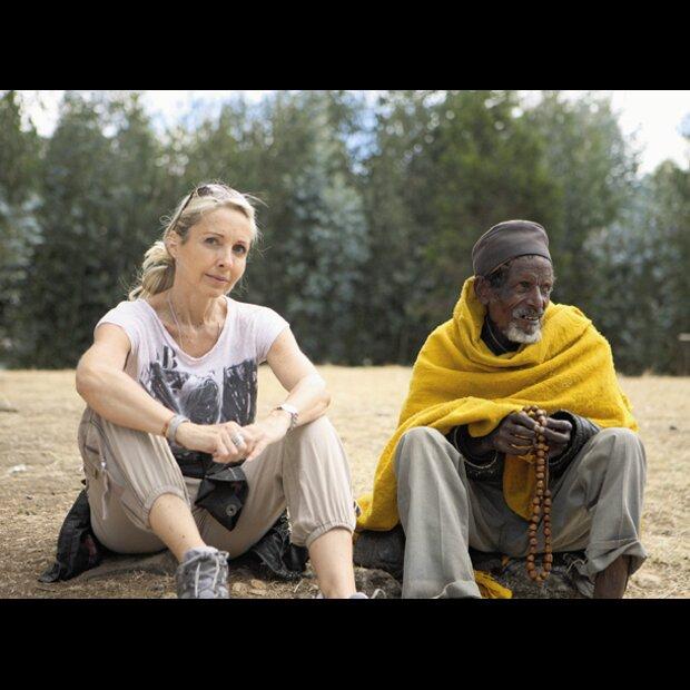7a8ae31f38 Uschi Fellner mit Almaz Böhm in Äthiopien