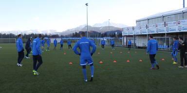 Antenne Salzburg HILFT! Eva & Christian trainieren mit dem SV Grödig