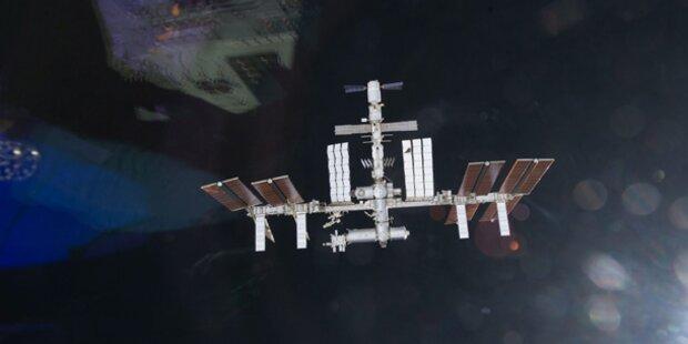 Bangen um die ISS: Ammoniak tritt aus