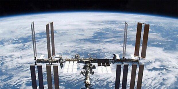 Raumstation ISS von Wrack bedroht