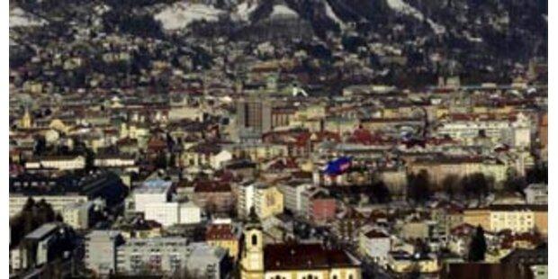 Umstrittenes Kreuz mit nacktem Jesus in Innsbruck