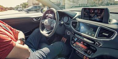 Fahrer & Roboterautos rechtlich gleichgestellt