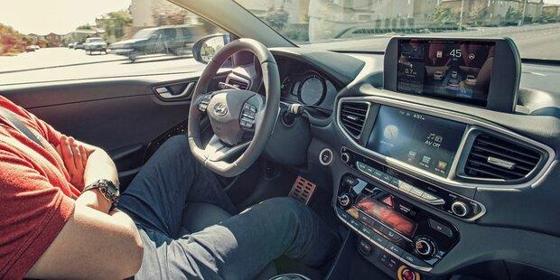 Rechtssicherheit für Roboterautos gefordert