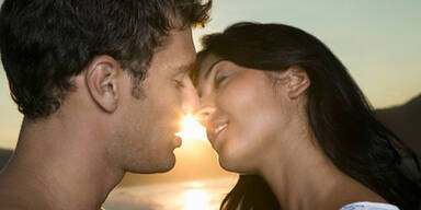 Ist ein Kuss wie Fremdgehen? Küssen Fremdknutschen