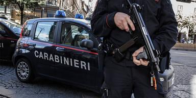 21 Festnahmen von Mafia-Mitglieder in Neapel