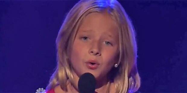 Begeisterung: Mini-Diva schmettert Arie