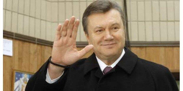 Janukowitsch führt in der Ukraine