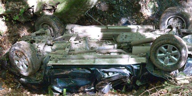 Jeep in Kärnten abgestürzt - Ein Toter