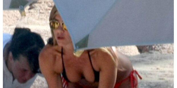 Sexy Jennifer Aniston genießt die Sonne Mexikos