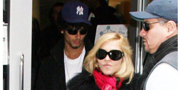 Madonna macht Gehirnwäsche bei Jesus