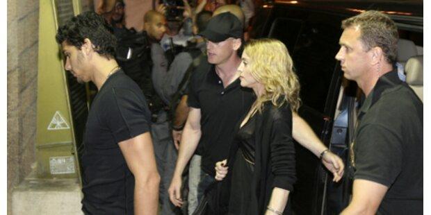 Madonna in der Nacht zur Klagemauer