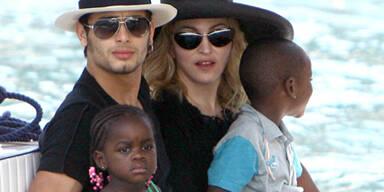 Jesus Luz & Madonna mit Mercy James & David Banda