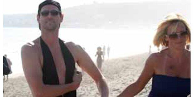Gar nicht sexy! Jim Carrey im Frauen-Badeanzug
