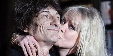 Jo Wood liebt ihren Ronnie trotz allem Ärger