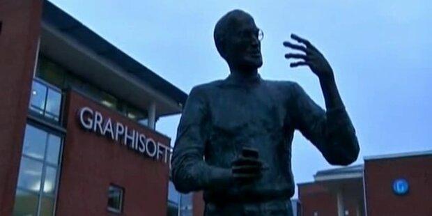Statue von Steve Jobs in Budapest enthüllt
