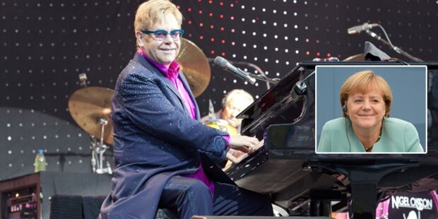 Elton John spielte