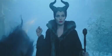 Jolie erschreckt als böse Fee eigene Kinder