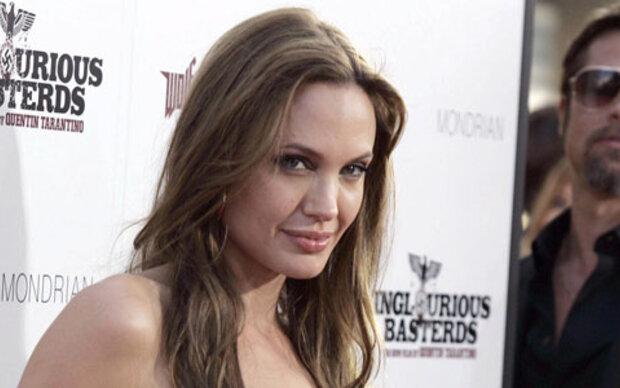 Jolie mit 16: Sex mit Mamas Lover