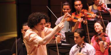José Antonio Abreu mit seinem Orchester