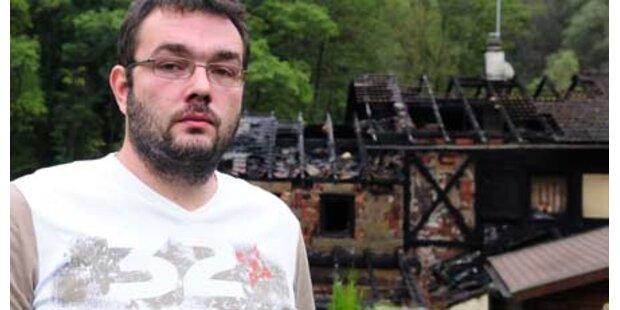 Familie aus brennendem Haus gerettet