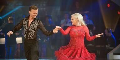 Brigitte Kren & Willi Gabalier tanzen Cha Cha Cha
