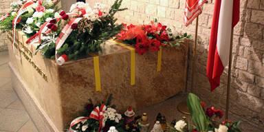 Polens exhumiertes Präsidentenpaar wird untersucht