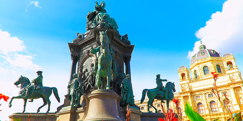 Kaiserin Maria Theresa Statue beim Museumsquartier