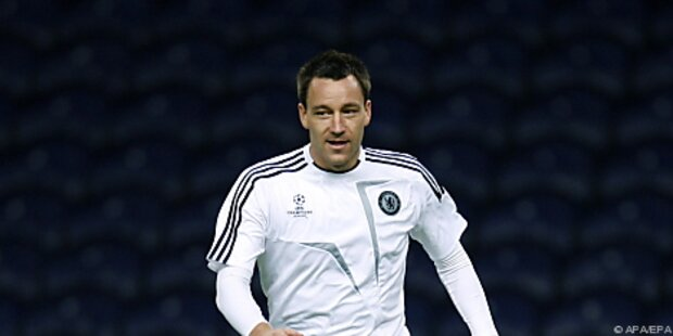 Terrys Kopfball rettete Tabellenführer Chelsea