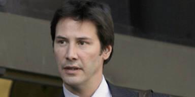 Keanu Reeves beim Verlassen des Gerichtsgebäudes