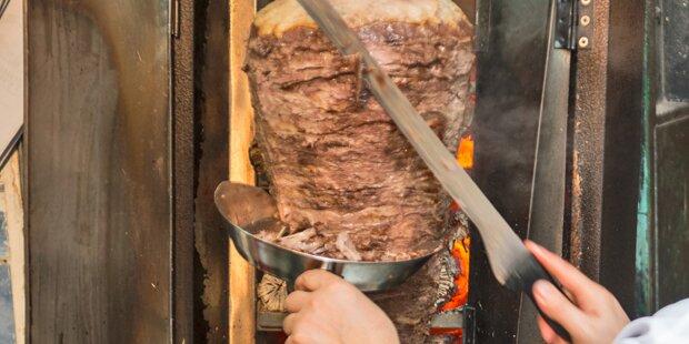 Unbekannte wollten in Salzburg Kebab-Stand abfackeln