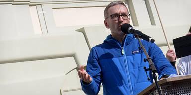 Demo-Streit eskaliert: ÖVP fordert Kickls Rücktritt
