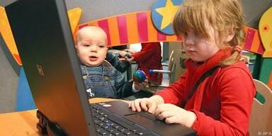 Kinder entdecken das Internet
