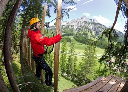 Kletterparcours im Waldseilgarten für 2.jpg