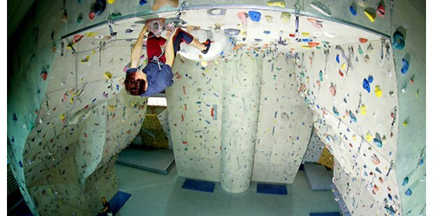 Student stürzt in Kletterhalle 12 Meter ab