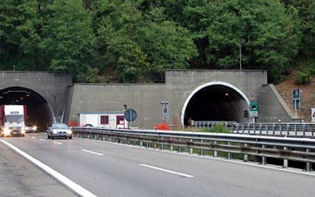 Schadstoffe in Tunnelluft - Fenster schließen