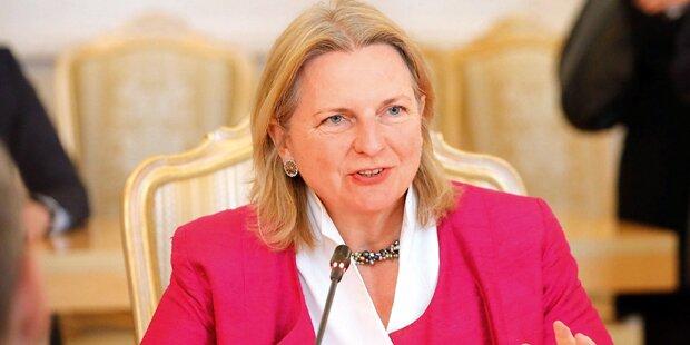ÖVP- & FPÖ-Regierungsmitglieder über Kneissl zunehmend irritiert