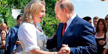 Kneissl: So kam es wirklich zur Putin-Einladung