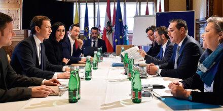 Koalition: Ringen um erste Reformen