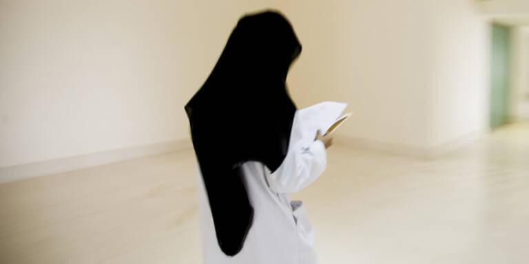 Mehrheit der Iranerinnen gegen Kopftuchzwang