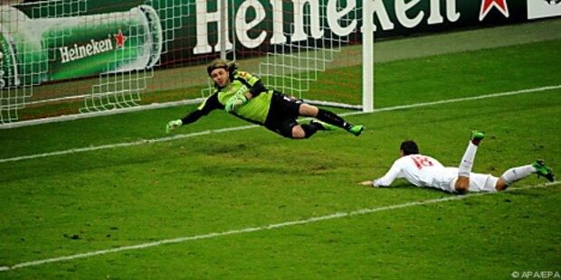 Kuriose Treffer bescherten Porto und Bayern Sieg