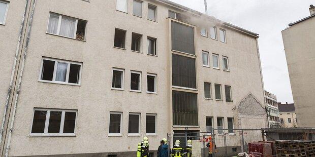 Krems: Feuerwehr rettet zehn Menschen vor Brand