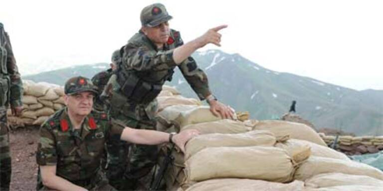 Kurdische Rebellen töten 24 türkische Soldaten
