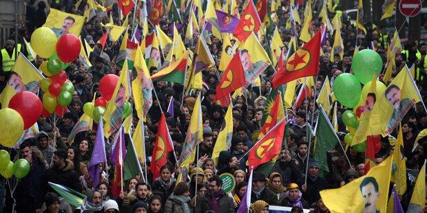 Kurden-Demo für Freilassung von PKK-Chef