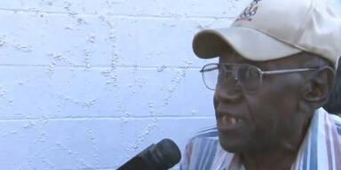 100-jähriger Lenker rast in Kindergruppe