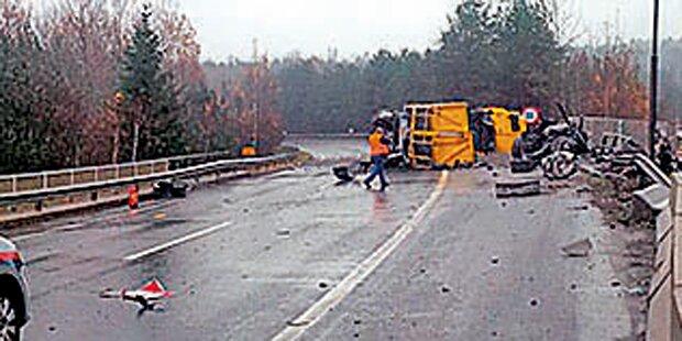 Gefahrgut-Transporter legte Autobahn lahm
