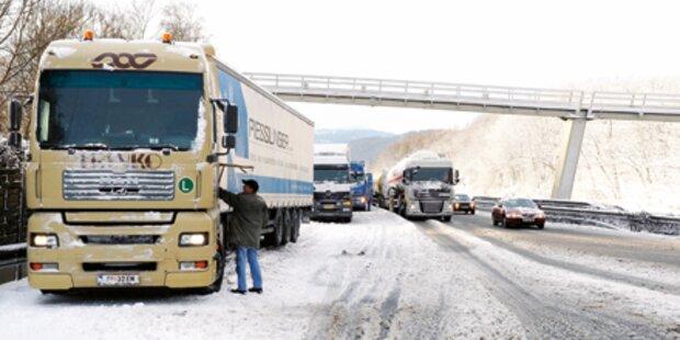 Schneefall richtet schon wieder Chaos an