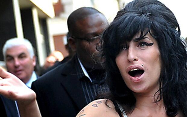 Amy Winehouse will noch mehr Kurven