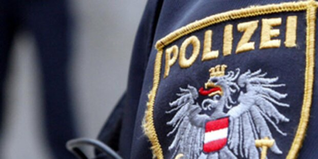 Betrunkener Fluggast verletzt Polizisten