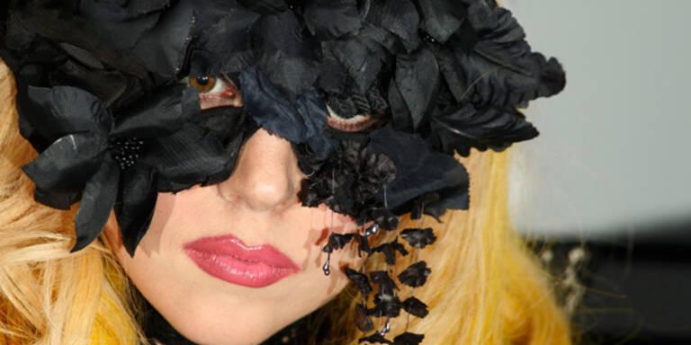 Gaga zeigt ihre bizarre Mode